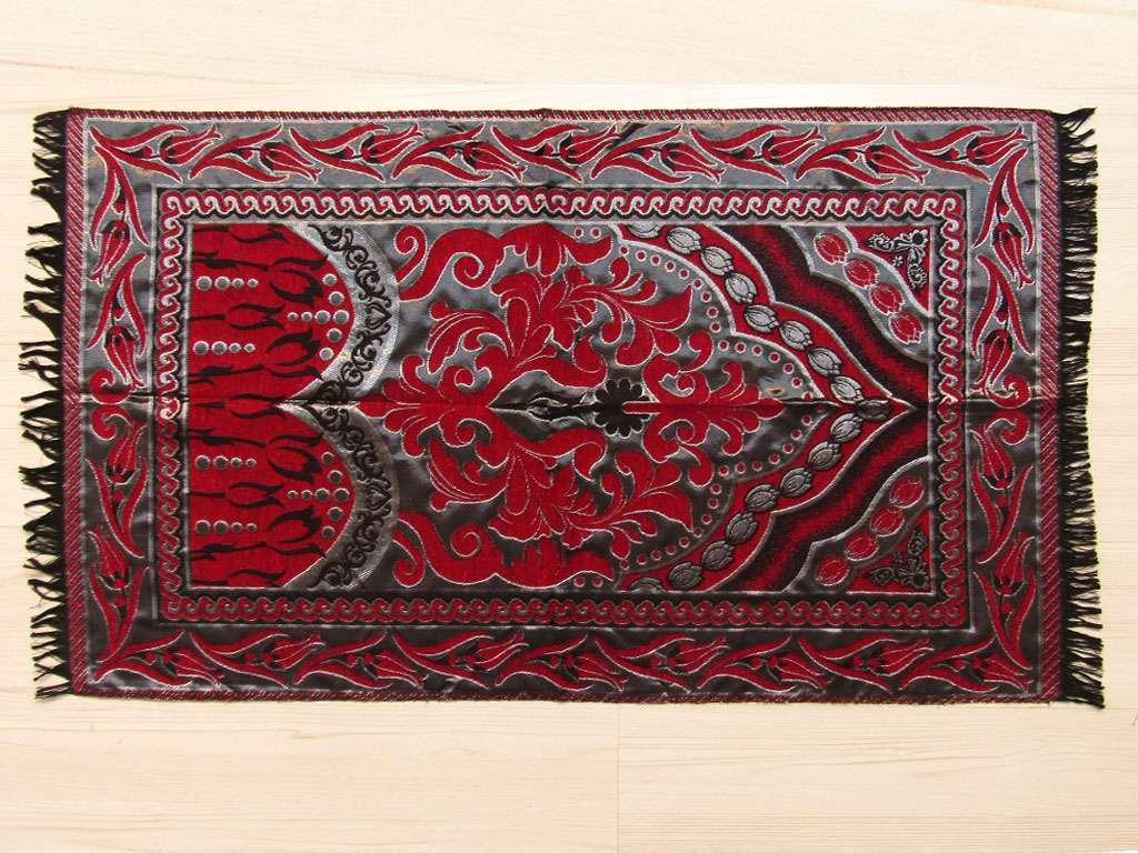 Seccade Tafta Desenli Kırmızı-Siyah Tonlarında Ekonomik Seccade