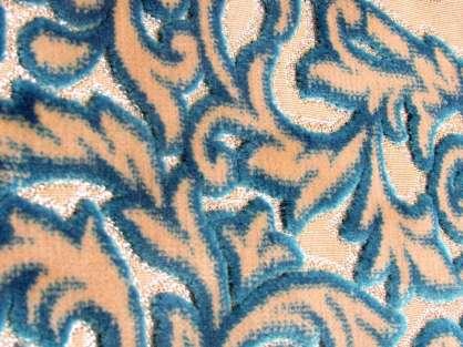 Seccade Pembe-Turkuaz Tonlarında Krem Renkli Gül Desenli Kadife  Hediyelik Seccade