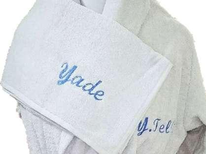 İsim Yazılı Yetişkin Bornoz Baş Set Yade Beyaz Renkli