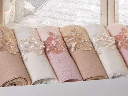 Fransız Güpürlü Düz Fonlu 50x90 Bamboo Havlu Elisa Anna Karina Premium